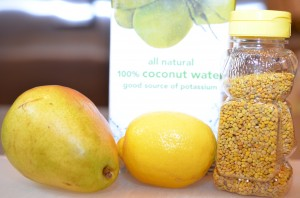 The main ingredients:  Pear, lemon, pollen, and coconut water.